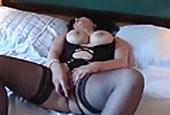 Frau muss heimlich im Hotel Masturbieren
