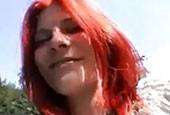 Geile Schlampe wird gerne mit Dildos gefickt