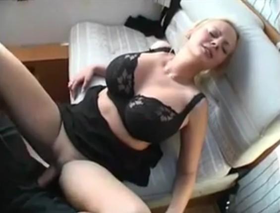 frau hat penis sex porno mit riesen dildo analsex perfekt