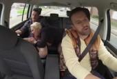 Fremdes Dorfluder im Auto abgefickt