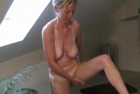 Dirty-Tina Porno richtig abgefickt - Video - Gratis Porno