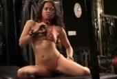 Afrikanerin liebt ihr Sexspielzeug