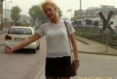 Autostopperin in der Waschstraße geknallt