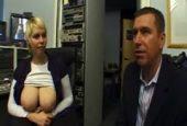 Pärchen beim Fetischsex vor der Kamera