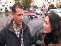 Tschechische Sekretärin im Auto abgefickt