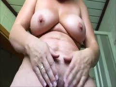 Nachbars Oma mit dicken Titten