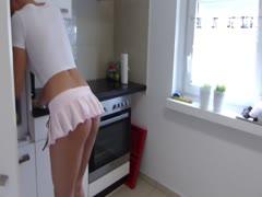 Ficken in der Küche mit der Deutscher blondine
