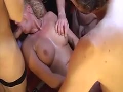 Gruppensex mit geiler blondine